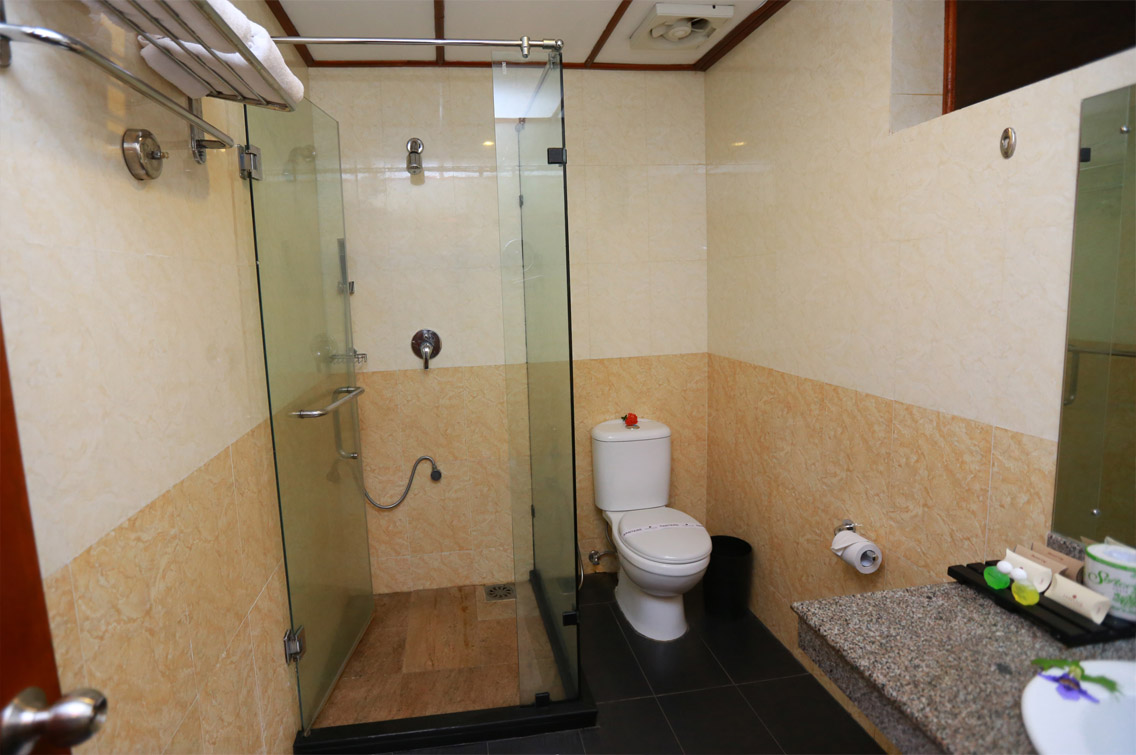 Bathrooms of Deluxe Rooms, Heritage Hotel Anuradhapura